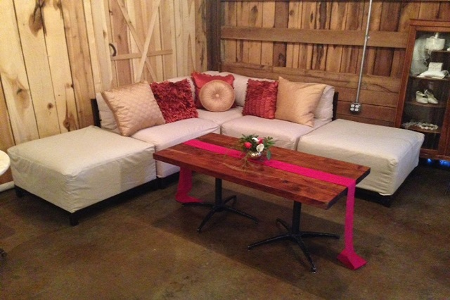 Lounge Furniture at Cactus Creek Barn