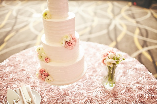 Hutton Hotel Wedding Cake Table Linen - Photo by Stephanie Sorenson